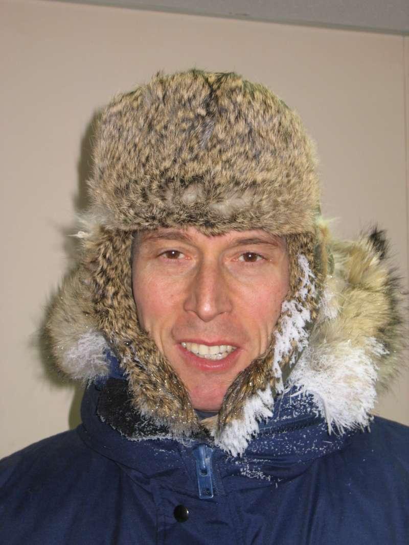 En glad Thomas Funck tilbage i Alert efter en lang og begivenhedsrig 1. maj på isen.