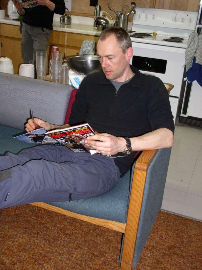 Søren Ryesgaard tager en lille pause fra laboratoriearbejdet.